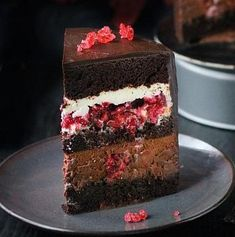 Chocolate Raspberry Cake - New ideas Russian Cakes, Russian Desserts, Easy Cake Recipes, Sweet Recipes, Dessert Recipes, Homemade Cherry Pies, Chocolate Raspberry Cake, Cake Chocolate, Kolaci I Torte