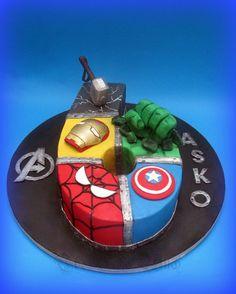 Avengers / Superheroes Number Birthday cake - Captain America, Spiderman, Hulk, Iron Man, Thor