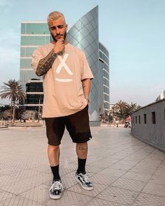 Discover recipes, home ideas, style inspiration and other ideas to try. Summer Outfits Men, Short Outfits, Casual Outfits, Beach Outfits, New Mens Fashion, Urban Fashion, Fashion Moda, Mode Streetwear, Streetwear Fashion