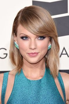 Best #Grammys Beauty - Taylor Swift