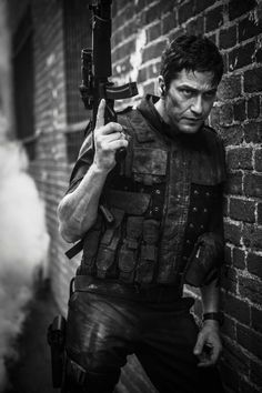 Gerard Butler as Mike Banning in Olympus Has Fallen.