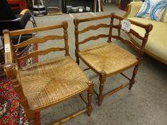 Spezielle Stühle bei HIOB Basel  #Schnäppchen #Trouvaille