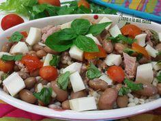 L'insalata di borlotti con orzo perlato è un primo piatto semplice ma molto ricco e gustoso per gli ingredienti aggiunti, un piatto unico molto completo.