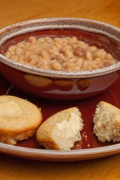 Crock Pot Ham and Beans | KitchMe. Making this tomorrow, nice & warm meal since it's going to be negative 50!!! Brrr Crock Pot Soup, Crock Pot Freezer, Crock Pot Slow Cooker, Crock Pot Cooking, Slow Cooker Recipes, Crockpot Recipes, Cooking Recipes, Cooking Ingredients, Frugal Recipes