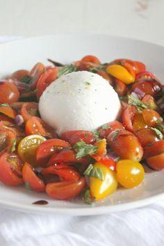 Tomato Caprese with Burrata #SundaySupper | casadecrews.com