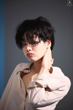 Short Hair Tomboy, Asian Short Hair, Girl Short Hair, Short Girls, Korean Actresses, Korean Actors, Actors & Actresses, Lee Joo Young Hair, Hair Color Streaks
