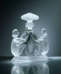 Tendance parfums Art Deco Parfume Bottle by Renè Lalique ca.1925