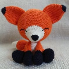 The sleepy fox amigurumi pattern