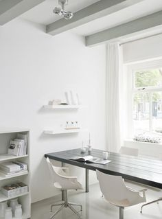 White workspace Small Space Office, Small Home Offices, Office Spaces, Office Interior Design, Office Interiors, White Interiors, My Workspace, Desk, Natural Interior