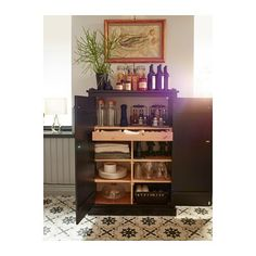 Sideboard storage: Kitchen & Dining decor ideas.  A sideboard is a stylish way to organize any room!
