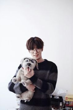 NOOO jaehyun in glasses is not allowed!
