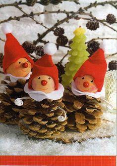 winter christmas ornamente deco weihnachten zapfen zwerge