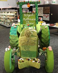 What did you do on Monday and Tuesday? Oh I just Yarn Bombed a tractor.oh, boy! Knitting Humor, Knitting Yarn, Crochet Cross, Crochet Yarn, Guerilla Knitting, Grannies Crochet, Urbane Kunst, Different Kinds Of Art, Knit Art