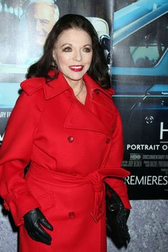 2011.03.22  Joan arrived at the premiere of the HBO documentary ´His Way´ at Paramount Studios in Hollywood