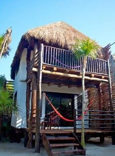 Playa Selva Tulum This beach front accommodation is located 10 minutes' drive from Tulum town centre and ruins. Xcaret Park is 65 km distance. It features a private beach area and free Wi-Fi.