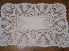 3 Quaker Lace Doilies, Picot Edge, Matching, Cottage Chic Decor, Elegant, Frilly