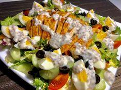 Sałatka nicejska z kurczakiem - Blog z apetytem Cobb Salad, Potato Salad, Sushi, Potatoes, Ethnic Recipes, Blog, Potato, Blogging, Sushi Rolls