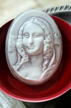 MONA LISA SOAP, Leonardo Da Vinci, Mona Lisa 1503-06 c - White Highlight, Custom Scented, Handmade - pinned by pin4etsy.com
