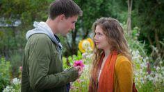Rosamunde Pilcher - Schutzengel Translation for Dubbing DE > ES Tv Spielfilm, Couple Photos, Couples, Flower, Projects, Movie, Sad, Feelings, Words