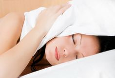 Betegséget is jelezhet, ha beszél álmában - Napidoktor Beauty, Beauty Illustration