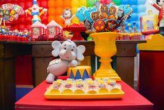 Mais uma inspiração de Festa Circo no blog!!Muitas fofuras nesta decoração.Imagens Graziela Torres.Lindas ideias e muita inspiração.Um fim de semana maravilhoso para todo mundo.Bjs, Fabíola ...