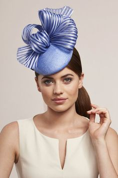 love the blue w/ strpied ribbon