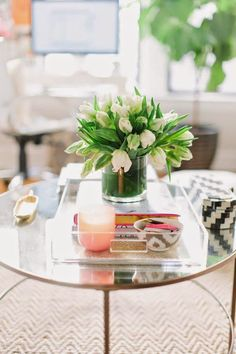 Coffee table styling - Mesa de centro bem decorada? Aposte nas bandejas!