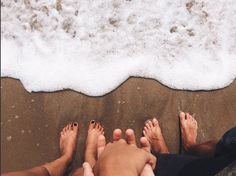 Cute Couples/Relationship Goals (CoupleGoals, Perfect Two) Pics) Beach Pictures, Couple Pictures, Beach Photos Couples, Beach Photography, Couple Photography, Photography Ideas, Wedding Photography, Cute Couples Goals, Couple Goals