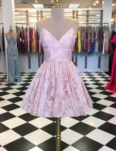 Find Short Prom Dresses For Sweet High School Prom, Graduation or Wedding Party? Come Here to Buy Charming Short Prom Dresses A-line Pink Graduation Dress that speaks to you and your unique personality. Dresses Short, Short Lace Dress, Sweet 16 Dresses, Sweet Dress, Lace Homecoming Dresses, Graduation Dresses, Party Dresses, Dance Dresses, Dress Prom