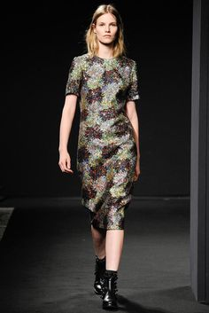 No. 21 Fall 2014 Ready-to-Wear - Collection - Gallery - Look 1 - Style.com