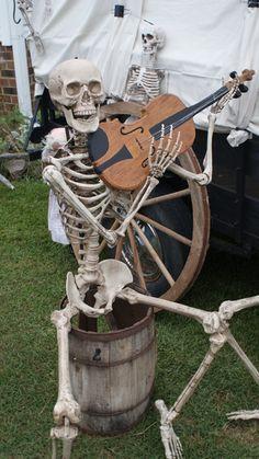 A little Cajun Music for the Bayou Halloween Party. Creepy Halloween Props, Halloween 2015, Halloween Skeletons, Halloween Skull, Diy Halloween Decorations, Halloween Cosplay, Holidays Halloween, Halloween Themes, Vintage Halloween