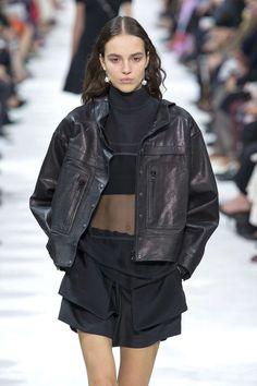 Valentino, Printemps/été 2018, Paris, Womenswear Casual Chic, Casual Wear, Valentino, Fashion Week, Fashion Looks, Korean Casual Outfits, Style Désinvolte Chic, Women Wear, Jeans