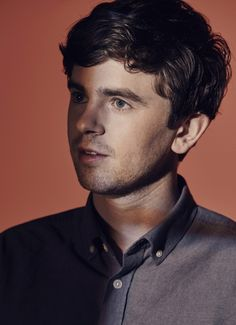 Portrait at Vulture's Primetime Emmy 2018 For Your Consideration for playing Doctor Shawn in The Good Doctor 41415038 Freddie Highmore Bates Motel, Jimmi Simpson, Shaun Murphy, Tv Doctors, Silicon Valley Hbo, Evan Rachel Wood, Ricky Martin, Good Doctor, Alfred Hitchcock