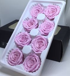 Cardboard Crafts, Resin Crafts, How To Preserve Flowers, Preserving Flowers, Money Cake, Dried And Pressed Flowers, Candle Craft, Preserved Roses, Jewelry Candles