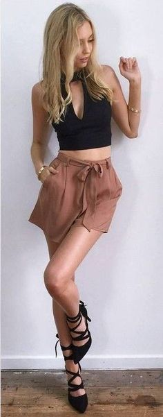 #summer #muraboutique #outfitideas |  Black Crop Top + Dusty Pink Shorts