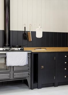 A Kitchen for the People, Courtesy of Prince Charles - Remodelista Plain-English-British-Standard-Kitchen comes with iroko,oak or sycamore wood worktop surface Home Design, Küchen Design, Design Ideas, Kitchen Maker, Kitchen Stove, Kitchen Cabinets, Shaker Cabinets, Aga Stove, Kitchen Walls