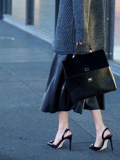 #wool #sweater #chunky #knit #knitwear #leather #skirts #ootd #streetstyle #fashionblogger #trends #helloshopping #howtowear #heels #samedelman #asos #zara #effortless #chic #sophisticated #vogue #madame #hugoboss #bespokebag