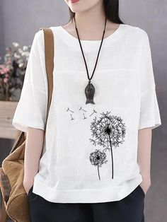 Summer Flowers Print Casual Plus Size T-shirt can cover your body well, make you more sexy, Newchic offer cheap plus size fashion tops for women. Plus Size T Shirts, Plus Size Blouses, Plus Size Tips, Mode Mantel, Plus Size Kleidung, Plus Size Summer, T Shirts For Women, Clothes For Women, Plus Size Fashion