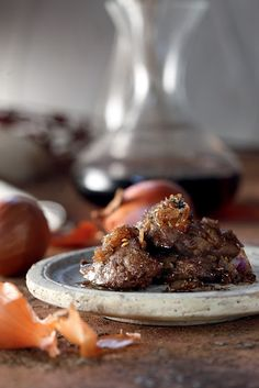 Amateur Cook Professional Eater - Greek recipes cooked again and again: Sweet and sour beef liver cooked in sweet wine Ox Liver Recipe, Liver Recipes, Sweet And Sour Beef, Vitamin D Foods, Vitamin B12, Liver And Onions, Beef Liver, Sweet Wine, Food Obsession