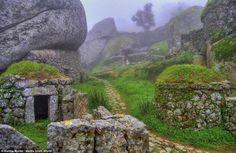 Casa de rocas! Mira esta hermosa construcción de enormes piedras