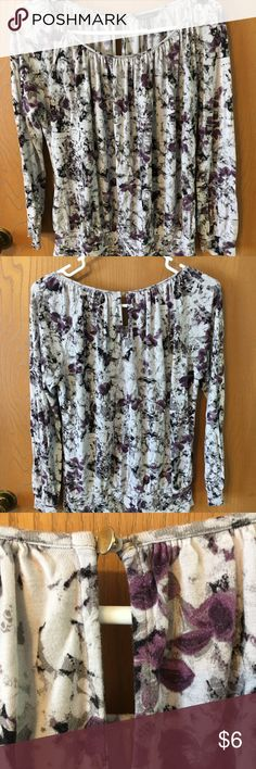 Daisy Fuentes Top The main colors  in this top are gray, purple, and black. It is loose and flowy. Daisy Fuentes Tops
