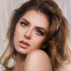 Most Beautiful Eyes, Stunning Eyes, Beautiful Women, Girl Face, Woman Face, Brunette Beauty, Hair Beauty, Beauty Head Shots, Gents Hair Style