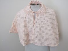 VINTAGE 50S/50S SMALL PINK ROSEBUDS LINED QUILTED BED CAPE WEARABLE CLEAN COND  #BALMOC