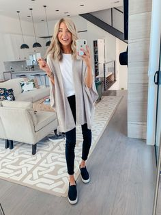 Nothing better than a good cashmere sweater combined with a simple top and jeans… – Tennis Shoe Outfit Winter Black Sneakers Outfit, Black Wedge Sneakers, Black Jeans Outfit, Tennis Shoes Outfit, Sneakers Women, Women's Sneakers, Sneakers Style, Black Wedges Outfit, Jean Outfits
