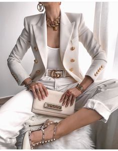 Casual Blazer Women, Blazers For Women, White Outfits, Fall Outfits, Fashion Outfits, Blazers Rosa, Women's Blazers, T Shirt Branca, Dressy Casual Outfits