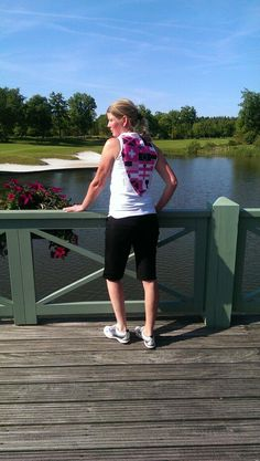 TeamPoodle's NL winner Liesbeth, wearing our 'Mandarin' shirt in White w/Flagtagged pink print & black Bermudas.