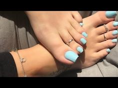 Beautiful foot jewelry designs for women Simple Toe Nails, Pretty Toe Nails, Cute Toe Nails, Pretty Toes, Feet Nail Design, Acrylic Toes, Long Toenails, Nice Toes, Toe Nail Color