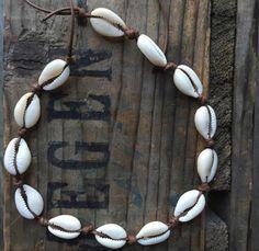 bohemian cowrie shell choker by RAWindividuals on Etsy Cowrie Shell Necklace, Shell Choker, Seashell Necklace, Shell Bracelet, Shell Necklaces, Diy Crafts Jewelry, Cute Jewelry, Boho Jewelry, Jewelery