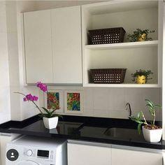 Inspiração pra lavanderia !  Às vezes o menos é mais ! ❤️ #inspiração #decoraçãodoapê #lavanderia #instadecor #designerdeinteriores
