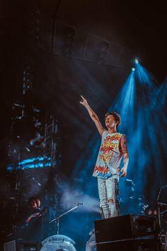 Listen to every One OK Rock track @ Iomoio One Ok Rock, Ed Sheeran Divide Tour, Takahiro Moriuchi, Music Station, Spotify Playlist, Day6, My Favorite Music, Shinee, Memes